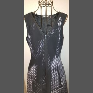 T Tahari zipper dress size 4
